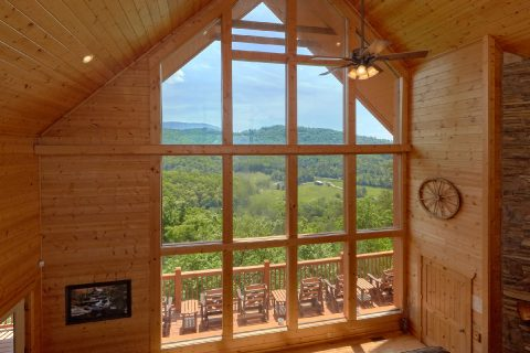 Mountain Views from Living Room of Cabin - Soaring Ridge Lodge