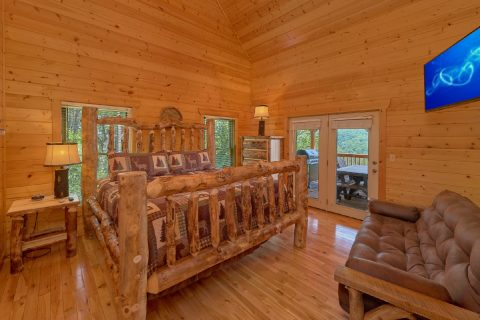Master Suite with Custom King Log Bed - Soaring Ridge Lodge