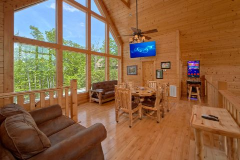5 Bedroom cabin with Poker Table and Arcade Game - Soaring Ridge Lodge