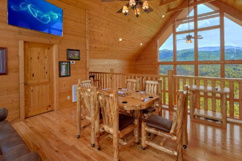 Luxury Cabin with Poker Table and Mountain Views - Soaring Ridge Lodge