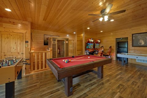 5 Bedroom Luxury cabin with Game Room - Soaring Ridge Lodge