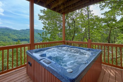 Wears Valley Luxury Cabin with Private Hot Tub - Soaring Ridge Lodge