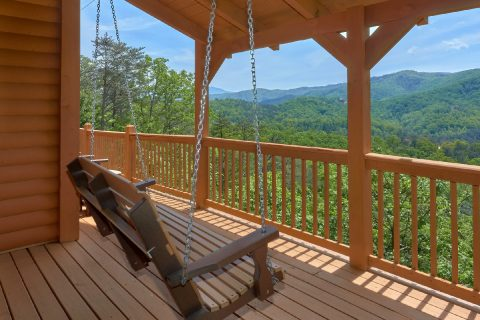Porch Swing overlooking Mountain Views - Soaring Ridge Lodge
