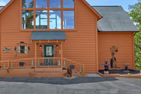 Luxury Cabin with Custom Bear Carvings - Soaring Ridge Lodge