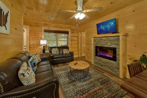 4 Bedroom 4 Bath Cabin Sleeps 12 - Song of the South
