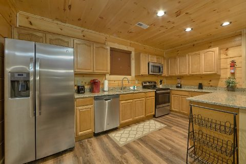4 Bedroom 4 Bath Cabin in Arrowhead - Song of the South