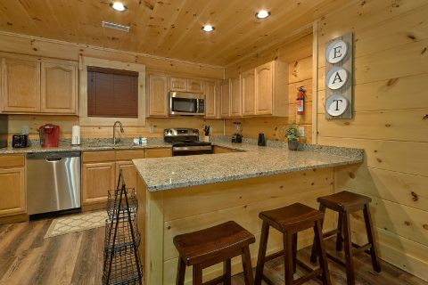 4 Bedroom Cabin with Spacious Kitchen - Song of the South