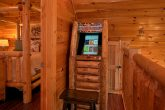 Cabin with Arcade Game, WIFI and Resort Pool
