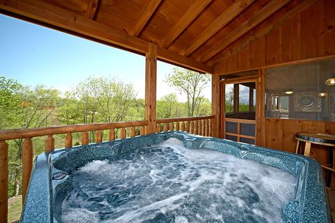 Cabin with Relaxing Hot Tub in the Smokies - Southern Style