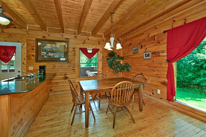 Pigeon Forge Cabin with Spacious Dining Room - Sparkling Dreams