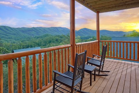 Featured Property Photo - Splash Mountain Lodge