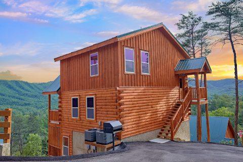 Premium 2 Bedroom Cabin with Indoor Pool - Splash Mountain Lodge