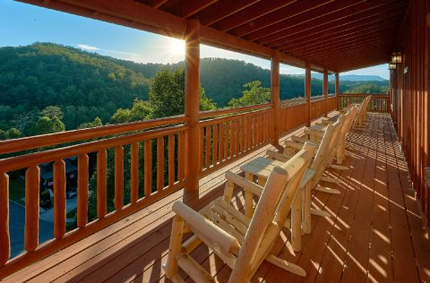 Smoky Mountain Ridge 6 Bedroom Pool Cabin - Splashin On Majestic Mountain