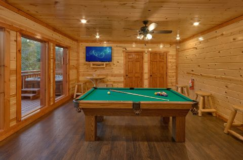 Game Room with Pool Table, WiFi, and Cable TV - Splashin On Majestic Mountain