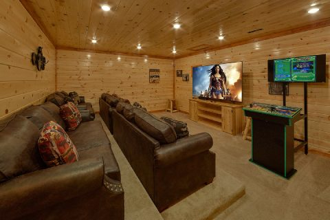 Luxury 6 Bedroom Cabin with Theater Room - Splashin On Majestic Mountain