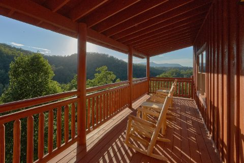 Smoky Mountain 6 Bedroom Cabin with a View - Splashin On Majestic Mountain