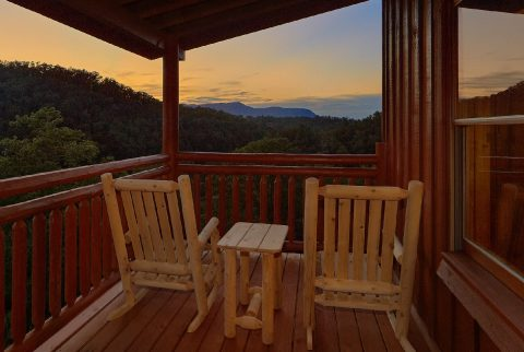 6 Bedroom Cabin with Private Pool and a View - Splashin On Majestic Mountain