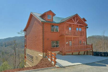 A Smoky Mountain Dream: 6 Bedroom Sevierville Cabin Rental
