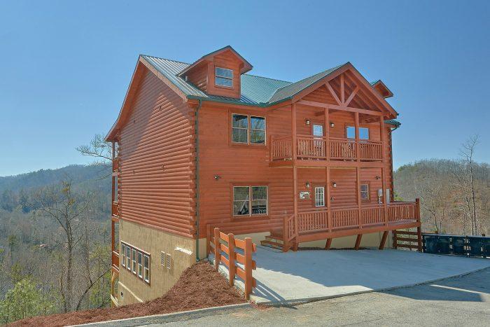 Splashin On Smoky Ridge Cabin Rental Photo