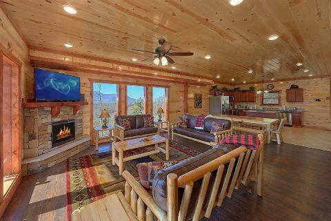 Luxury 6 Bedroom Cabin near Pigeon Forge - Splashin On Smoky Ridge