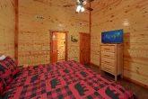 King Bedroom with Flatscreen TV Sleeps 17