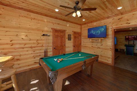 6 Bedroom Cabin with Pool Table and WiFi - Splashin On Smoky Ridge