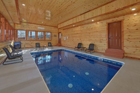Luxury Cabin with Private Indoor Pool and WiFi - Splashin On Smoky Ridge