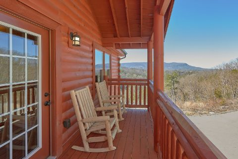 Spacious Cabin with Rocking Chairs and View - Splashin On Smoky Ridge