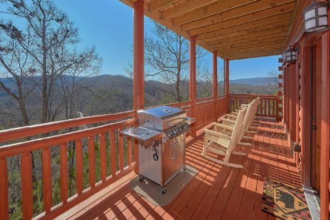 Luxury Cabin with View and Propane Grill - Splashin On Smoky Ridge