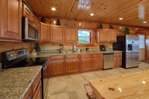 6 Bedroom Cabin with a Fully-Stocked Kitchen - Splashin' With A View