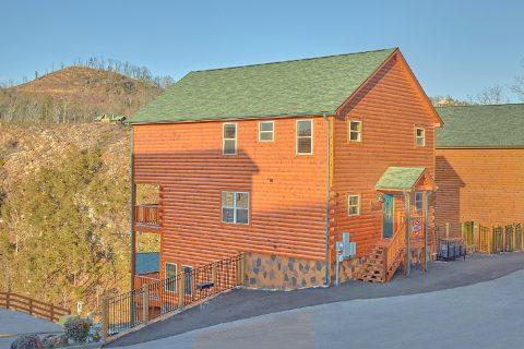 4 Bedroom Pool cabin in Black Bear Falls Resort - Splashing Bear Cove