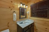 4 bedroom cabin with Private Master Bed and bath