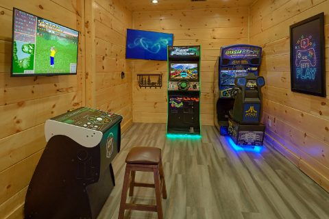 Luxurious 4 bedroom cabin with Arcade Games - Splashing Bear Cove