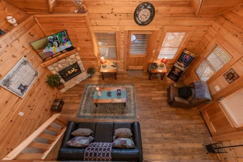 1 bedroom cabin with sleeper sofa in Living room - Stairway To Heaven