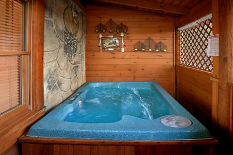 Cabin with Private Hot Tub and screened porch - Stairway To Heaven