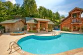 Golfview Resort cabin and swimming pool