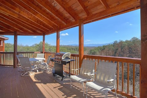 Luxury Cabin with Mountain Views and Gas Grill - Star Gazer