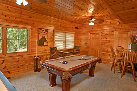 Cabin with Pool Table, Game Room and Pool access - Sugar and Spice