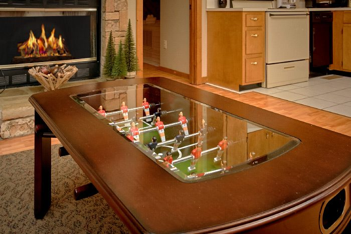 Honeymoon Cabin with Foosball Table - Sugar Plum