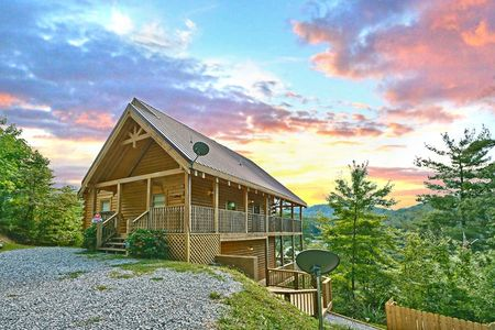 1 In A Million: 4 Bedroom Sevierville Cabin Rental