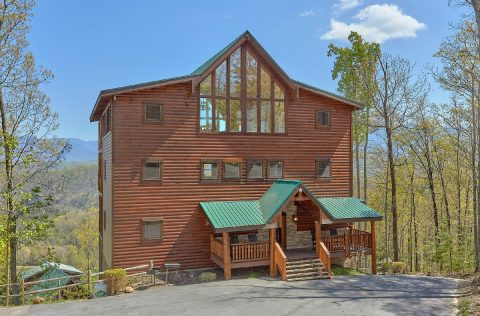 Spacious 9 bedroom cabin with Mountain Views - Summit View Lodge