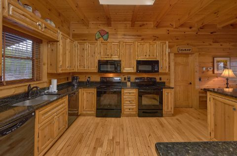 9 Bedroom cabin with 2 stoves and 2 microwaves - Summit View Lodge