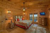 9 Bedroom luxury cabin with 7 King Bedrooms