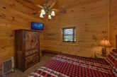 9 bedroom cabin with private King bedrooms