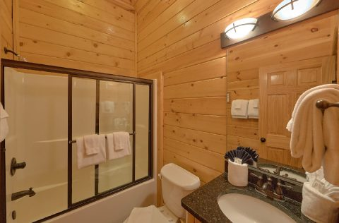 Premium 9 bedroom Cabin with 7 full bathrooms - Summit View Lodge