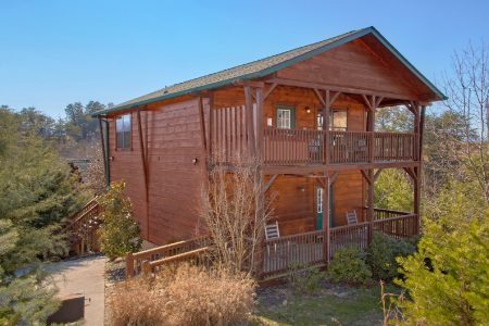 Best Little Pool House In The Smokies: 3 Bedroom Sevierville Cabin Rental