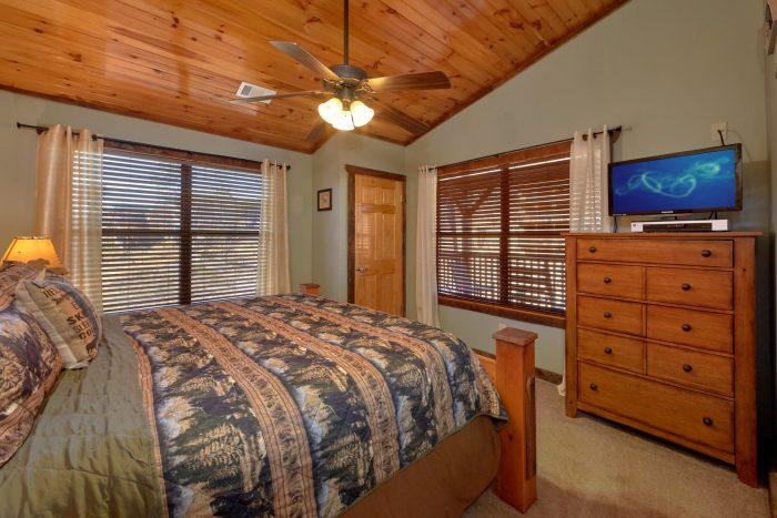 Cabin with Additional Den on Top Floor - Sundaze