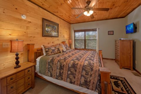 Pigeon Forge Cabin Rental with Private Top Deck - Sundaze