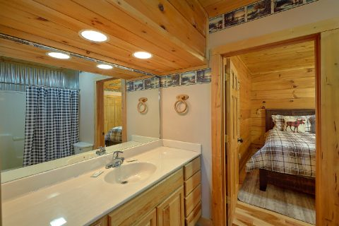 Master Bath Room - Sweet Mountain Air