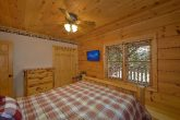 3 Bedroom Cabin Sleeps 8 TV in All Bedrooms